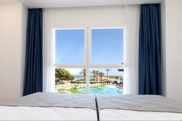Alcossebre-Sea-Experience-4-Estrellas-Apartamento-2-dormitorios-Familiar-Frontal-Vista-Mar-Dormtorio-Vistas