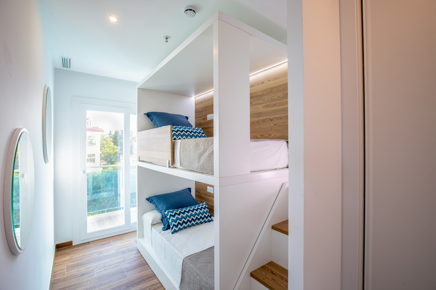 Alcossebre-Sea-Experience-4-Estrellas-Apartamento-2-dormitorios-Familiar-Frontal-Vista-Mar-Habitacion-Literas