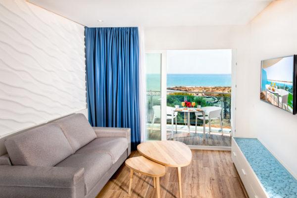 Alcossebre-Sea-Experience-4-Estrellas-Apartamento-2-dormitorios-Familiar-Frontal-Vista-Mar-Salon