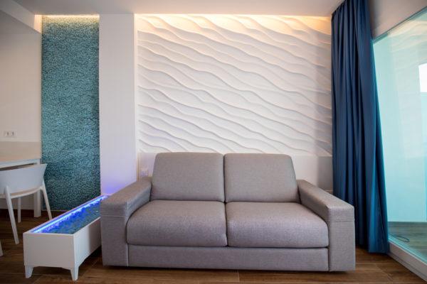 Alcossebre-Sea-Experience-4-Estrellas-Apartamento-2-dormitorios-Familiar-Frontal-Vista-Mar-Sofa