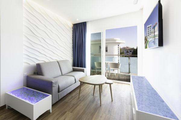 Alcossebre-Sea-Experience-Aparthotel-4-Estrellas-Apartamento-1-dormitorio-Salon-Terraza