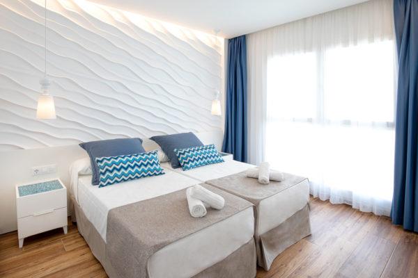 Alcossebre-Sea-Experience-Aparthotel-4-Estrellas-Apartamento-1-dormitorio-baño-adaptado-DormitorioA