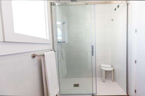 Alcossebre Sea Experience Aparthotel 4 Estrellas Apartamento 2 Dormitorios Vista Piscina y Mar Ducha