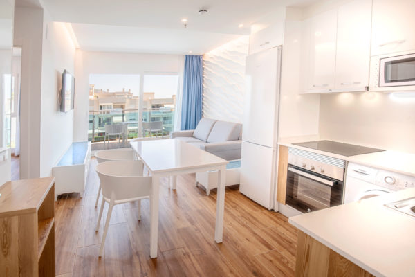 Alcossebre-Sea-Experience-Aparthotel-4-Estrellas-Apartamento-2-dormitorios-Comedor-Salon