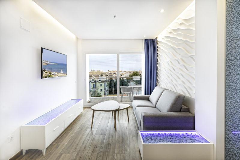 Alcossebre-Sea-Experience-Aparthotel-4-Estrellas-Apartamento-2-dormitorios-Salon-Terraza
