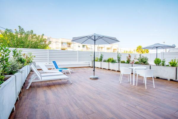 Alcossebre-Sea-Experience-Aparthotel-4-Estrellas-Apartamento-2-dormitorios-Terraza-Premium-Terraza-Hamacas