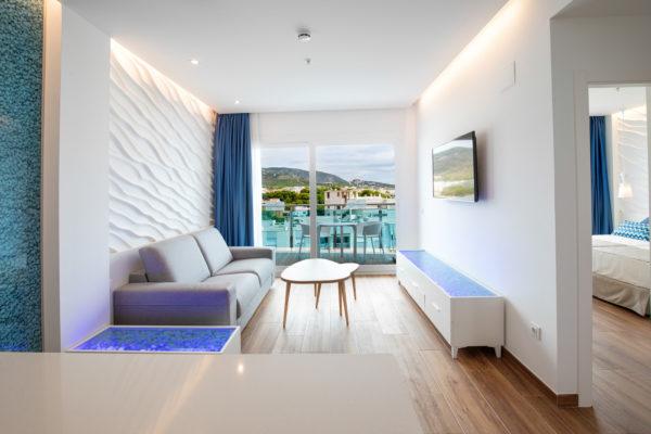 Alcossebre-Sea-Experience-Aparthotel-4-Estrellas-Apartamento-2-dormitorios-Vista-Mar-Lateral-Salon-Terraza