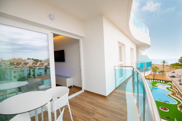 Alcossebre-Sea-Experience-Aparthotel-4-Estrellas-Apartamento-2-dormitorios-Vista-Mar-Lateral-Terraza