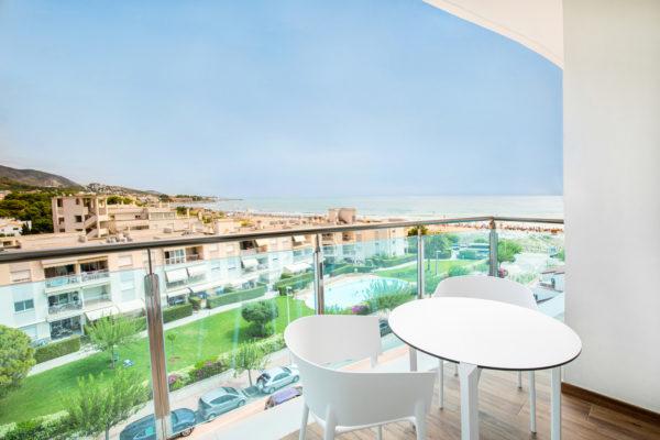 Alcossebre-Sea-Experience-Aparthotel-4-Estrellas-Apartamento-2-dormitorios-Vista-Mar-Lateral-Terraza-Vistas
