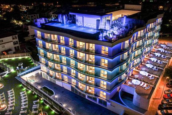 Alcossebre-Sea-Experience-Aparthotel-4-Estrellas-Edificio-Noche