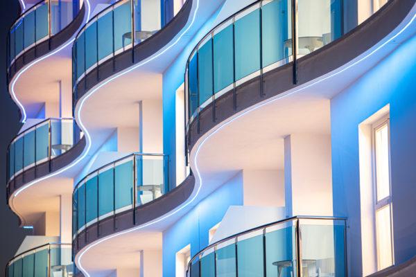 Alcossebre-Sea-Experience-Aparthotel-4-Estrellas-Fachada-Terrazas