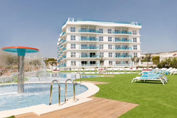 Alcossebre-Sea-Experience-Aparthotel-4-Estrellas-Piscina-Infantil-Jardin-Hamacas-1