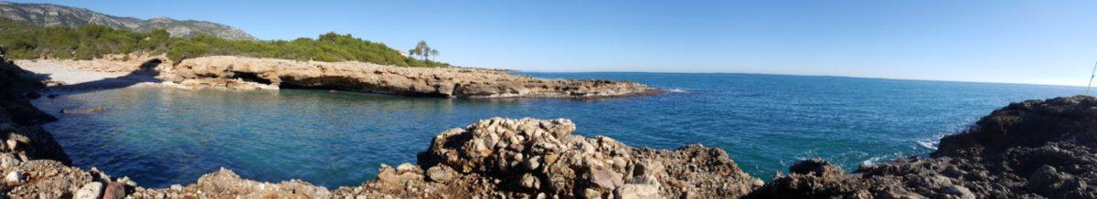 Cala Mundina en el Faro de Alcossebre
